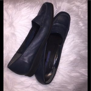 Easy Spirit Shoes - Classy Easy Spirit Nifty navy leather shoes. 9 1/2